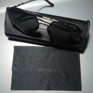 Burberry Aviators sunglasses with case